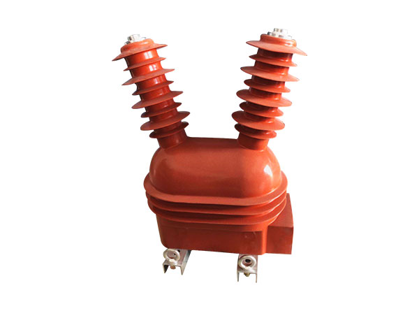 Outdoor voltage transformer